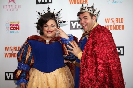 Newlyweds_Ginger_Minj_and_CJ_at_RuPauls_DragCon_NYC_2_600_by_400